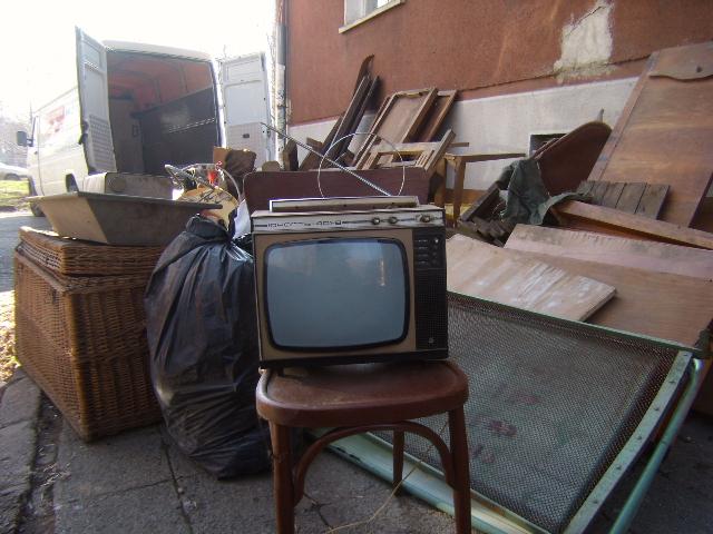 Изхвърляне на стари мебели-Хамали Стоянов