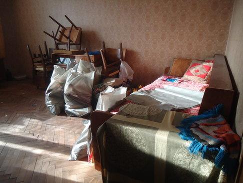 Къде можем да изхвърлим старите си мебели в София