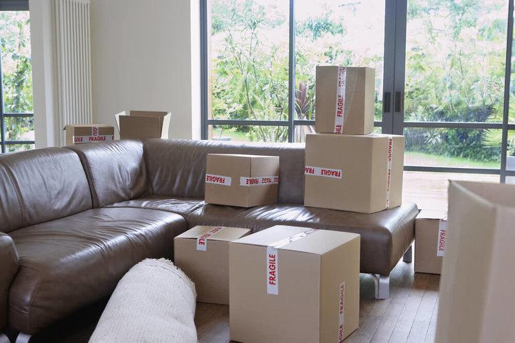Безопасно премесстване на мебели и багаж съвети